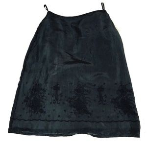 Dkny pure black silk skirt wit embroideries Size 6